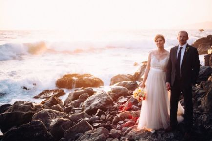 Dress: Emma and Grace Bridal | Photographer: We are the Parsons | Florals: Burst and Bloom | Hair and Makeup: Kim Larson | Catering: Sea Stars Catering | Hand Lettering: Tangerine Room Events | Venue: Private Home